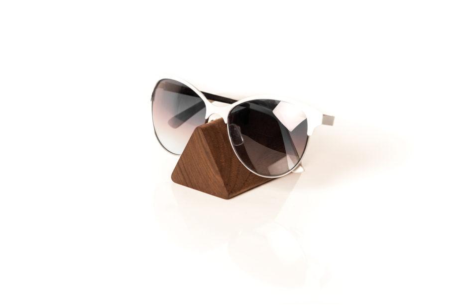 lumenqi-holz-design-brillenhalter-brilleneck-geschenk-01