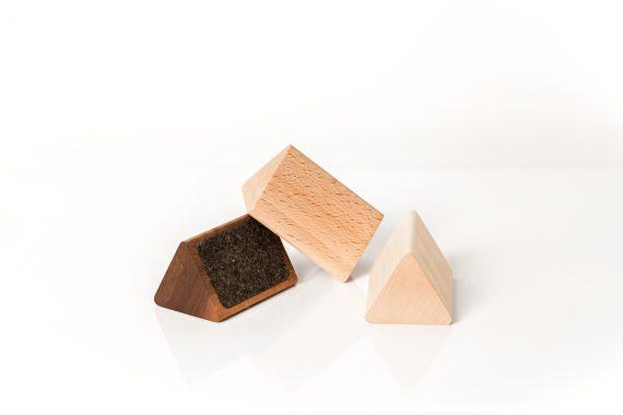 lumenqi-holz-design-brillenhalter-brilleneck-geschenk-03