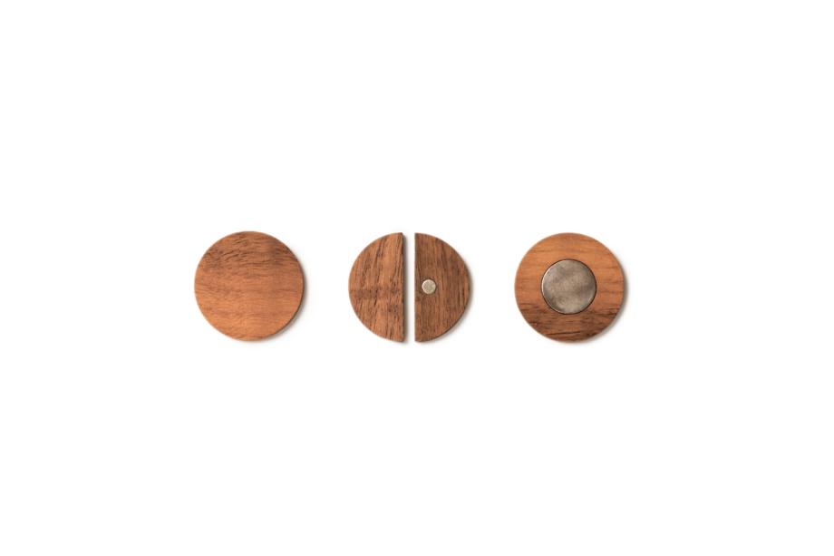 lumenqi-holz-design-geometrie-rund-magnetpin-geschenk-03
